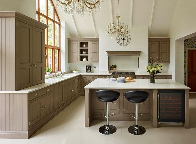 Classic Shaker Kitchen – Tom Howley