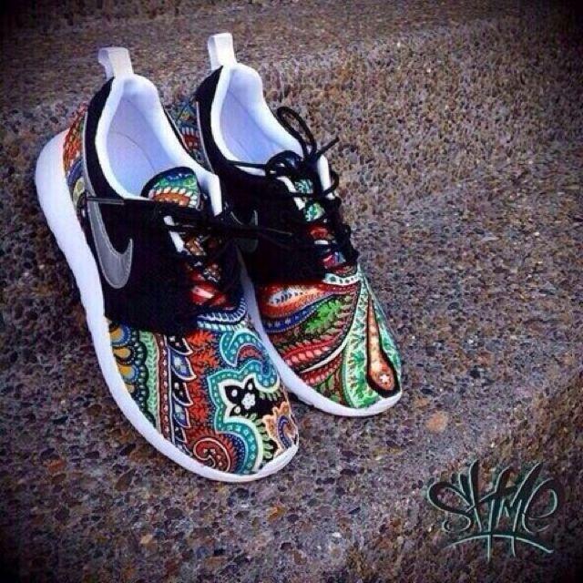 The Bohemian style Nike Roshe sneakers!!!