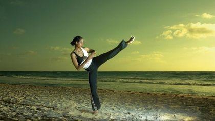 Women Beach Martial Arts Fitness 1920x1080 Wallpaper High Quality Wallpapers High Definition Wallpaper Martial Arts Workout Martial Arts Female Martial Artists