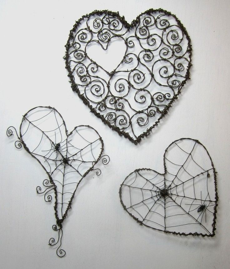 3 hearts in wire
