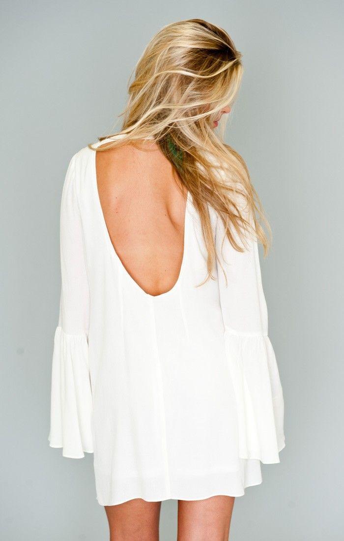 Ho to style a white chiffon dress