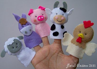 Felt finger puppets ideas: sheep, donkey, pig, cow and chicken