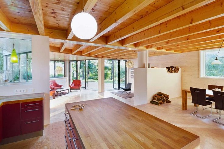 Durch eine Holz-Beton-Verbund-Decke konnte das Erdgeschoss fast stützenfrei bleiben | Archibaldbüro Katrin Oggesen ©Constantin Meyer, Köln