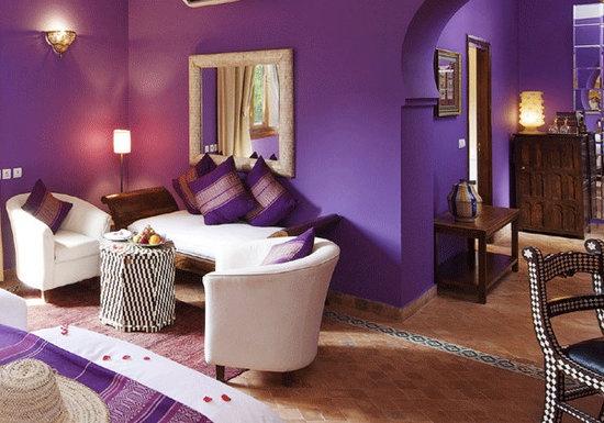 97 best purple fabric paint wallpaper images on pinterest for Small room karen zoid