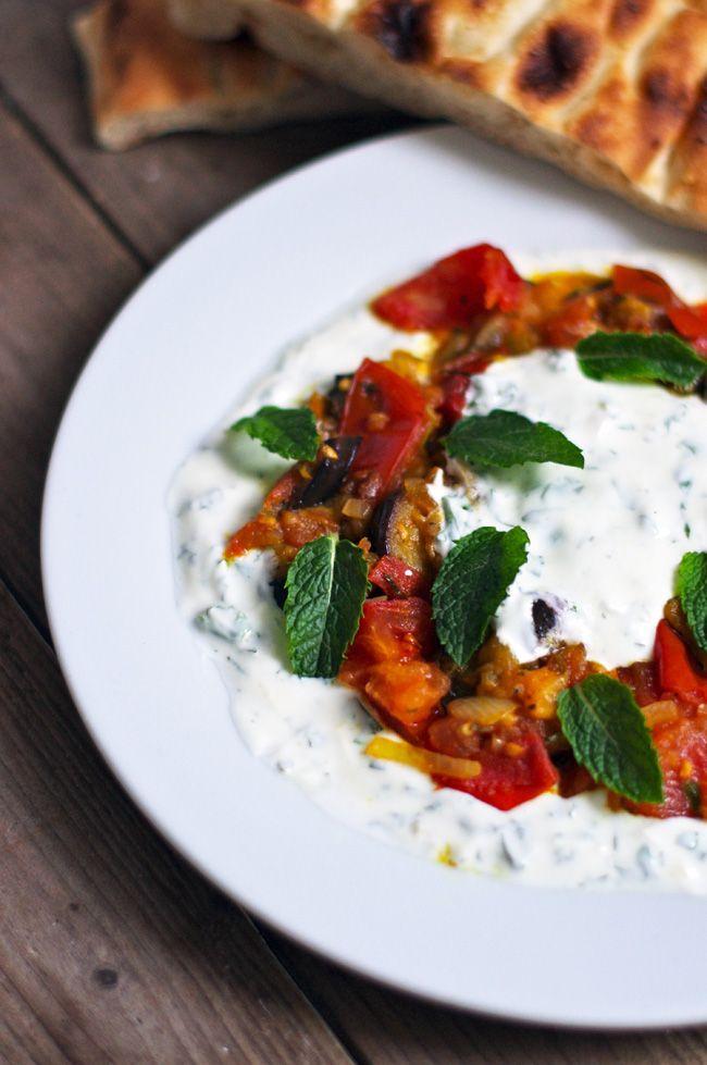 """""""Veggiestan - A Vegetable Lover´s Tour of the Middle East"""" von Sally Butcher  ist eines dieser Kochbücher, die ich an einem Trödelna..."""