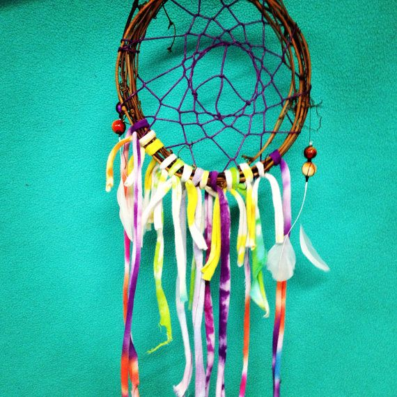 how to make a colorful dreamcatcher