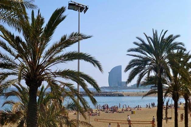 Promenade décontractée en bord de mer à Barcelone Barcelone