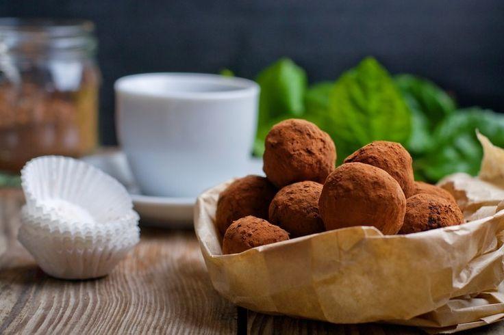 Her får du den bedste snacks at få i løbet af dagen | Proteinkuglerne er uden sukker og gluten | Læs resten af opskriften lige her >> |
