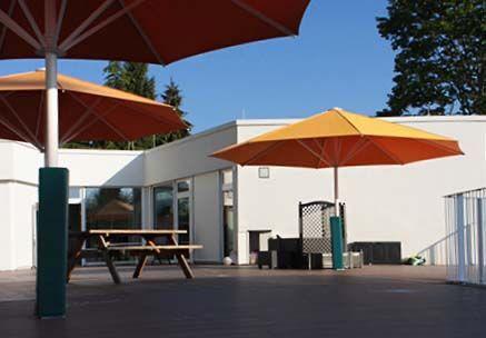 WPC Terrassendielen auf einer Terrasse in einer KiTa in Frankfurt
