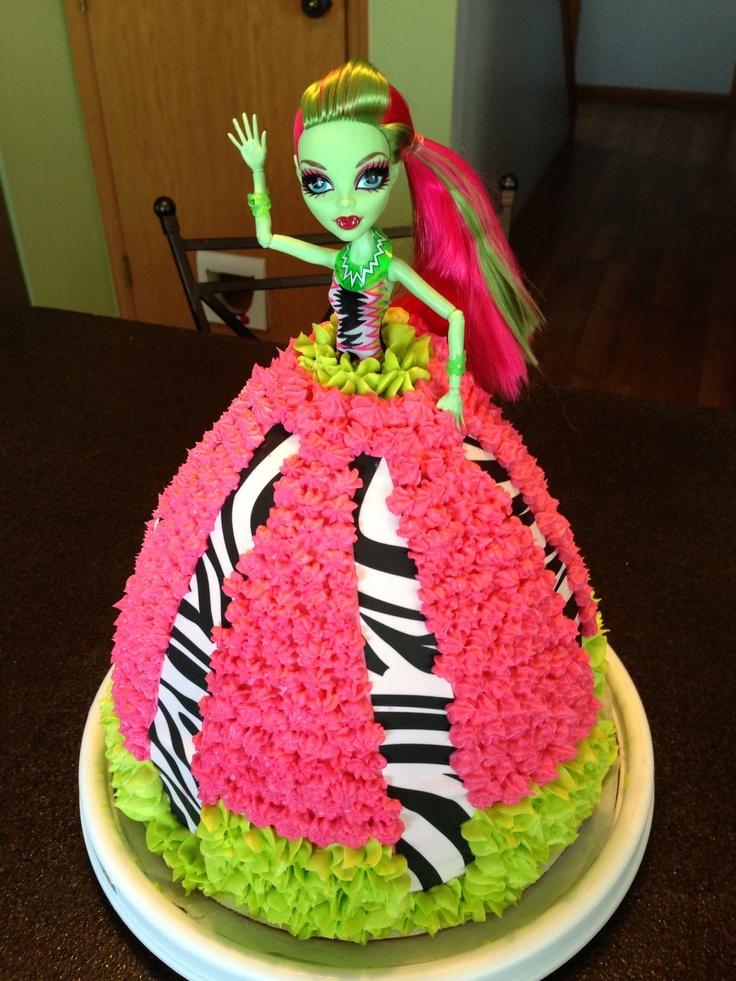 Monster high cake for Alexa's birthday? i'm thinking yes! :D