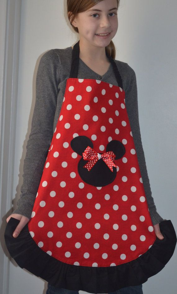 Teen Apron Minnie Mouse reversible Polka Dots by pieshomecreations, $14.00