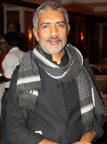 Prakash Jha is in no mood to take any risks ahead the release of Satyagraha!