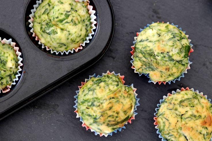 Muffins auch mal herzhaft: Spinatmuffins mit Feta - für die nächste Party oder im Büro. Kombinierbar mit Suppen oder Salaten.