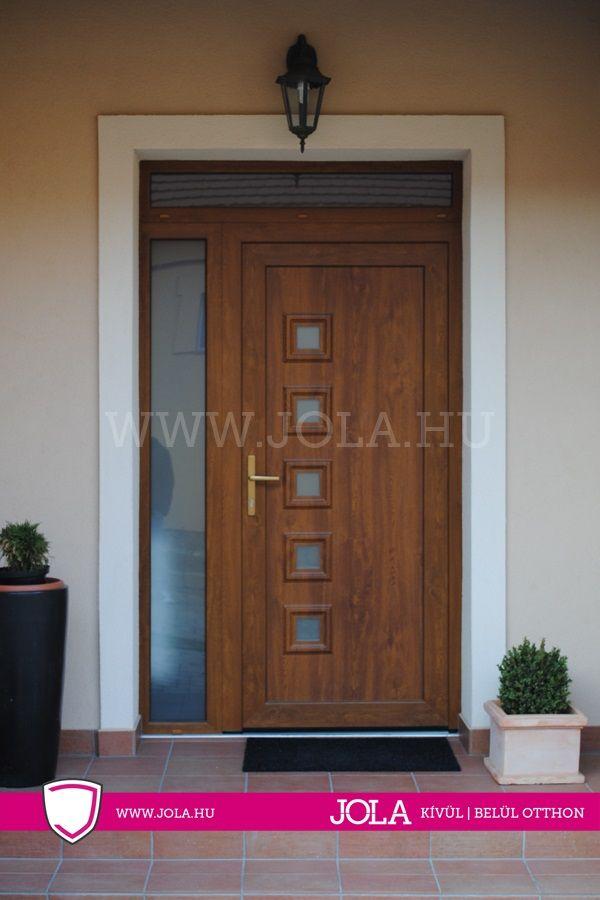 Műanyag bejárati ajtó referencia