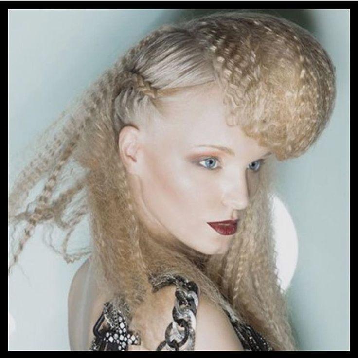 Fashion Braids #braids #braidstyles #braidsinspiration #hair #hairstyles #hairdo #hair #inspiration #braidstylist #hairstylist #hairstyle #love2braid #vlechten #vlecht #haar #fashion #style #stylist #fashionbraids