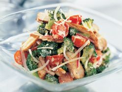 Crunchy broccoli and chicken salad - high protein salad perfect for lunches :)