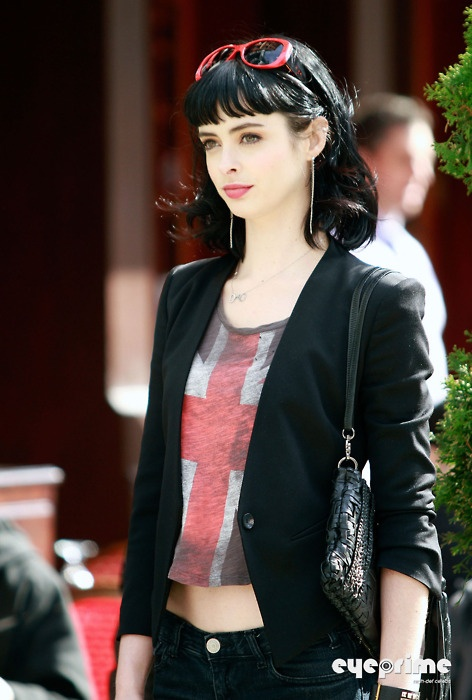to look like her, Krysten Ritter (but my sking and hair don't go that way)