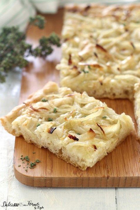 Focaccia con le cipolle facile con lievito di birra ricetta Dulcisss in forno by Leyla