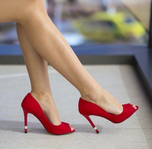 Pantofi Perly Rosii - <br>Culoare:  Rosu<br>Dimensiune toc:  10<br>Material:  Piele eco intoarsa Colectia Pantofi cu toc de la  www.cutoc.net