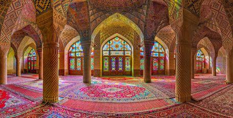 Berapa banyak dari Anda telah menginjakkan kaki di dalam masjid? Bahkan jika Anda bukan tipe religius, mereka adalah potongan-potongan yang luar biasa dari arsitektur untuk melihat - baik yang di Iran. A harus melihat jika Anda ke dalam seni dan arsitektur pada umumnya.