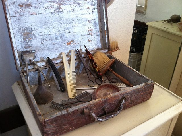 Old barber tools by Alter Wolf, via Flickr