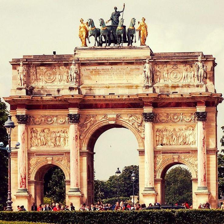 Imágenes del mundo: Arc De Triomphe (Arco de Triunfo) - París (Francia)... #cibervlachoimagenesdelmundo Visita mi Blog: http://cibervlacho.blogspot.com