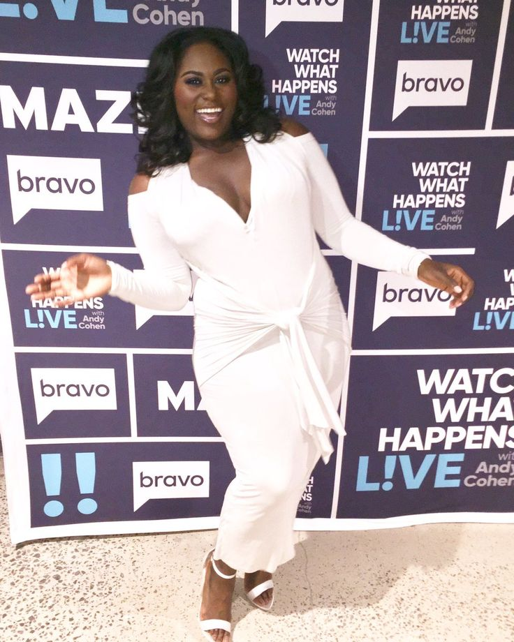 Hey curvy girls all over the world, Our girl Danielle Brooks was recently on Bravo's Watch What Happens Live. She sported a chic white draped dress by Urban Zen. Unfortunately, the line only goes up t