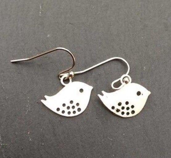 Cute Fish Dangle Earrings! #silver #jewellery #fish #animals #dangle #earrings http://m.ebay.co.uk/itm/Free-Gift-Bag-Silver-Plated-Fish-Animal-Dangle-Earrings-Ladies-Jewellery-Cute-/282036012685?nav=SELLING_ACTIVE