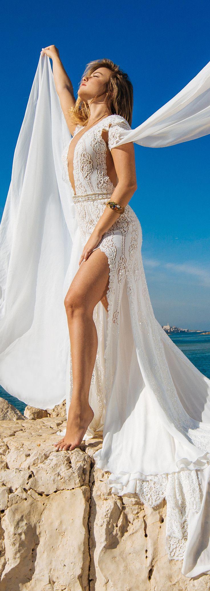 #wedding #beach #summer #bride #dress #couture #hautecouture