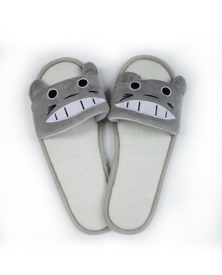 Zapatillas Chancleta Totoro 19€  pikapikashop.com #totoro #myneighbortotoro #kawaii #love #cute #pikapikashop #barcelona