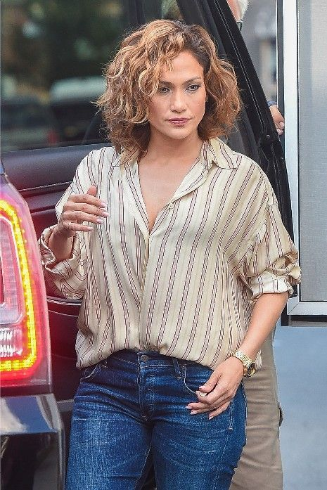 Hairstyle Trends 2016, 2017, 2018: How To Get Jennifer Lopez Shades of Blue TV Show Wavy Blonde Bob Cut Look