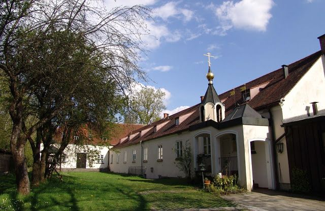 Learning About the Monastery of St. Job of Pochaev in Munich    Read full article: http://catalogueofstelisabethconvent.blogspot.com/2017/11/learning-about-monastery-of-st-job-of.html    #orthodox #orthodoxy #orthodoxchurch #monastery #photoblog #church #faith #CatalogOfGoodDeeds