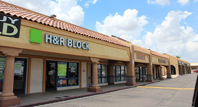 29,219 SF Cave Creek Plaza sells for $2.55M - The Cave Creek Plaza was sold for $2.55 million by PWDAF Bell and Cave Creek LLC to DMC Investments LLC, according to the brokerage firm that worked on the deal. The21,219-square-foot retail shopping center located at 16806-16872 N. Cave Creek Rd. & 2301-2313 E. Bell Rd. was initially built ... - http://azbigmedia.com/azre-magazine/new-market/retail-new-market/29219-sf-cave-creek-plaza-sells-255m