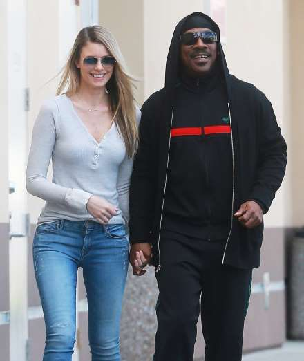Celebrity PDA of 2017 - December 11, 2017:  Eddie Murphy and girlfriend Paige Butcher walked hand-in-hand while stopping to get some coffee in Studio City, California, on Jan. 13.