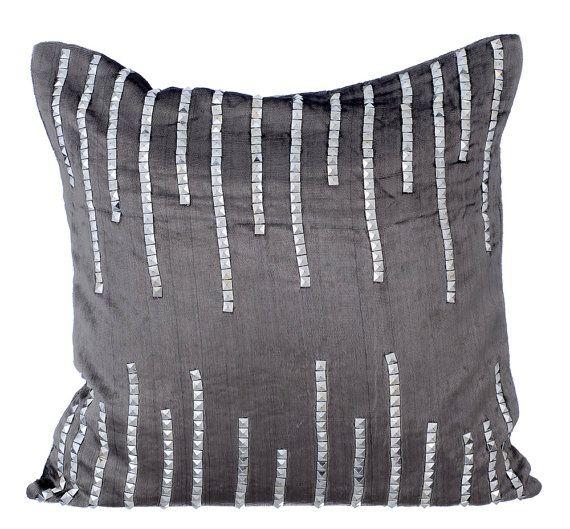 Carbón almohada decorativa acento cubre almohada por TheHomeCentric
