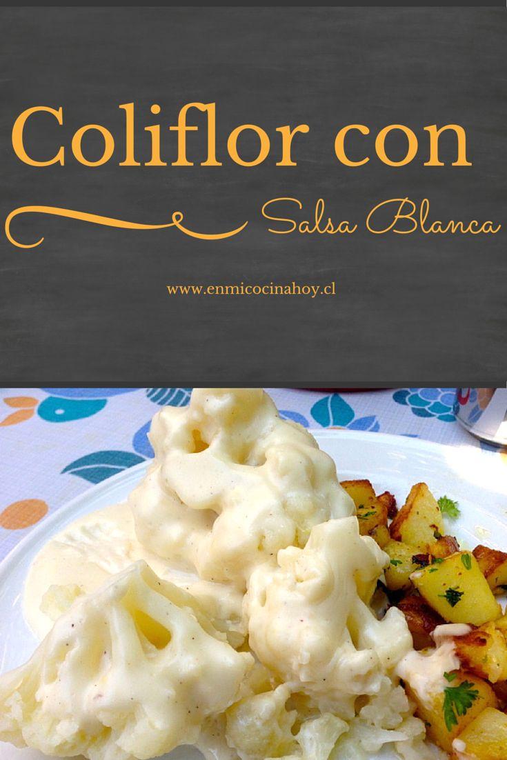 Un plato que no falta durante el invierno en Chile: Coliflor con salsa blanca van perfectas con papas con perejil. Uno de mis almuerzos favoritos.