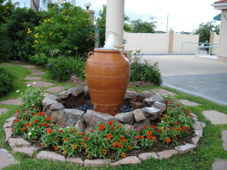 Attractive Yard Fountains Part - 2: Cool Idea For Front Yard Fountains