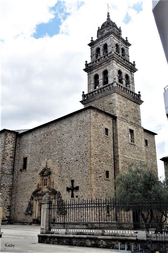 Basílica de la Virgen de la Encina . Ponferrada (León) Patrona del Bierzo