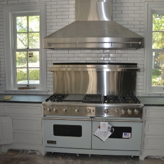 The Viking Range Its Backsplash And Hood Against Wall Of Grove Brickworks Tile