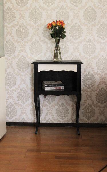 Vintage Möbel - shabby Kommode/Nachttisch schwarz/weiß - ein Designerstück von Pfaennle bei DaWanda