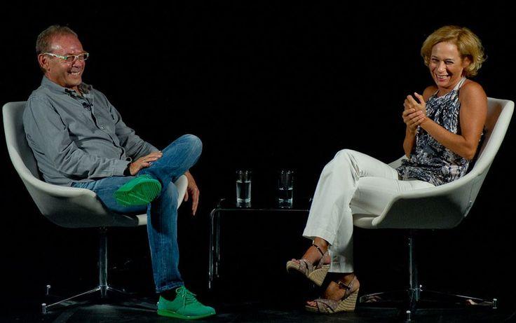José Wilker entrevista Andréa Beltrão no programa 'Palco e Plateia' - http://colunas.revistaepoca.globo.com/brunoastuto/2013/04/23/jose-wilker-entrevista-andrea-beltrao-na-nova-temporada-do-programa-palco-e-plateia/ (Foto: Reprodução)