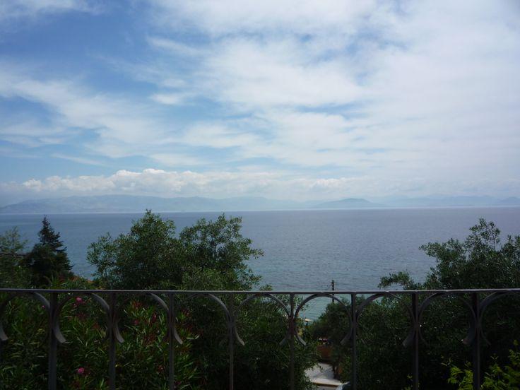 vue de mon balcon, en face la Grèce continentale et l'Albanie