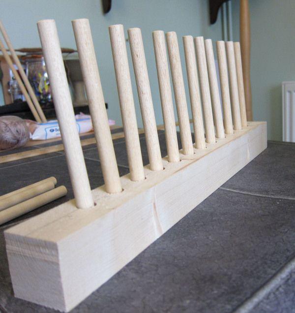 Plans For Rag Rug Loom: Crafty DIY #1: How To Make A Peg Loom