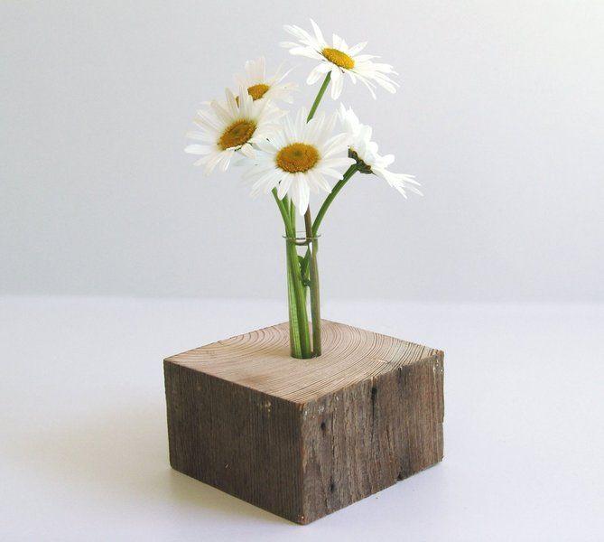 minimale Blumenvase aus Holz, naturbelassen // wooden vase via DaWanda.com