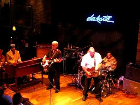 Steve Cropper explains Green Onions / Booker T & The MG's - Live, Minneapolis, MN 6/16/10