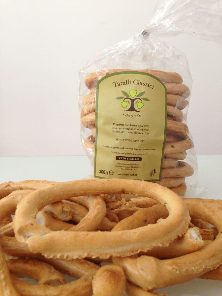 #taralli classici #italianfood #tarallipugliesi #artisanltaralli @Itrescudi