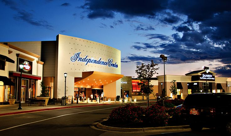 Independence Center is an indoor shopping center offering 130 stores to choose from in Independence, MO.