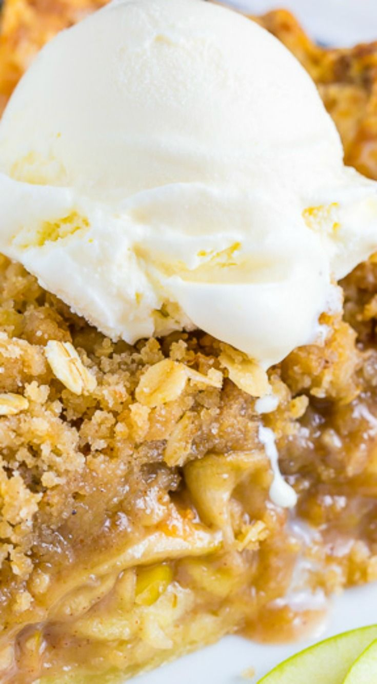 Brown Butter Oatmeal Crumb Apple Pie ~ Incredibly delicious... Everyone will beg you for this recipe.