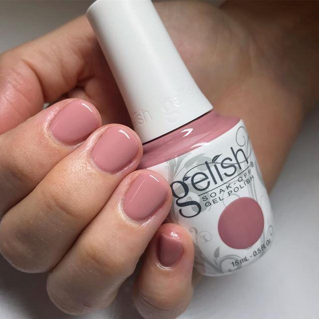 Gelish Hollywood S Sweetheart Gelish Nail Colours Gel Nail