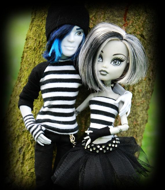 EMO style for MH : T-shirt skirt leg warmers and by LucieVran